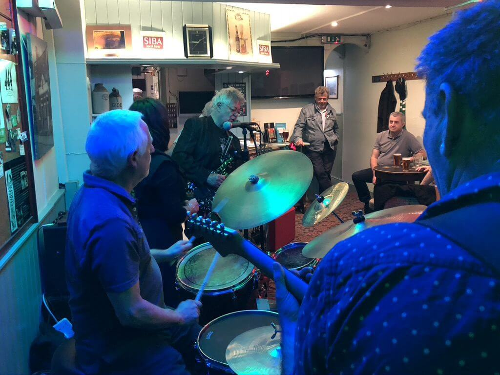 "Dave Gray, Hamish Stewart and John ""Dusty"" Dunsterville playing live at The Retreat pub in Reading."