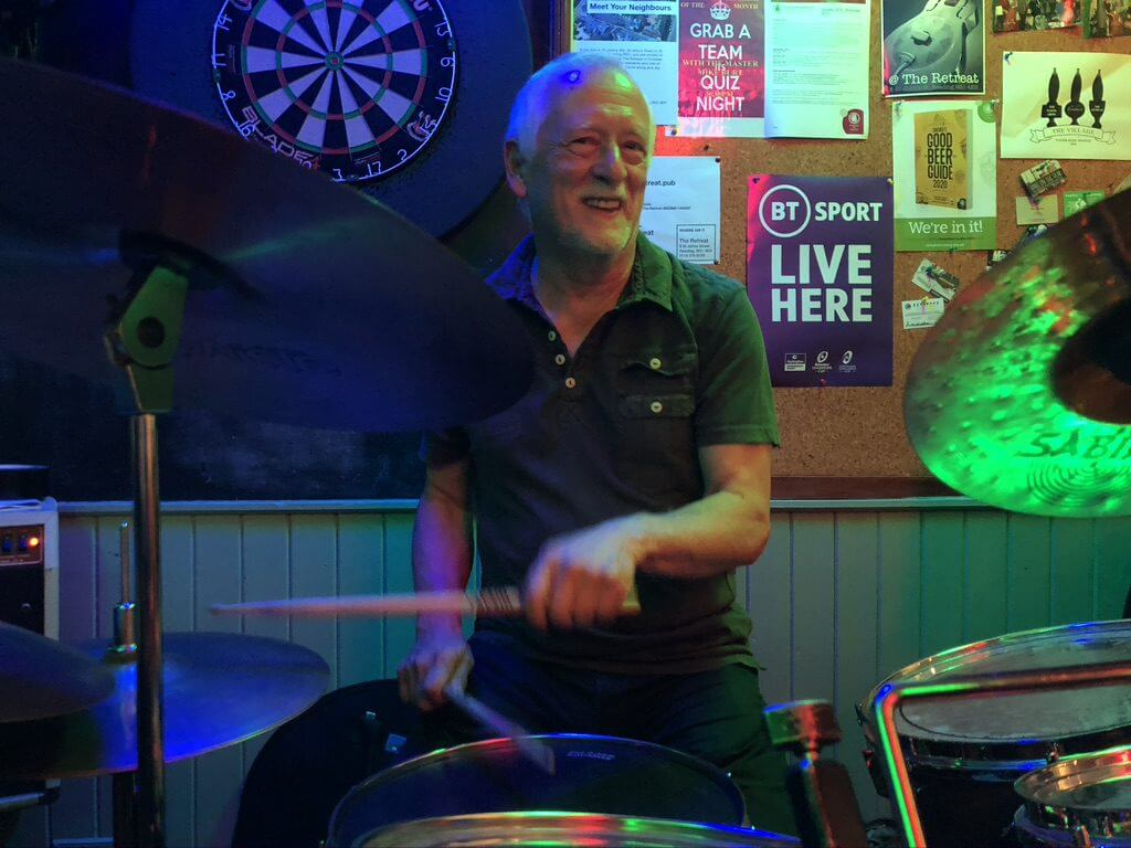 Hamish Stewart playing live at The Retreat pub in Reading.