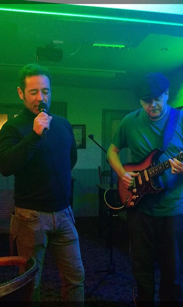 Ian Stokes and Jason Manners live The Retreat pub in Reading
