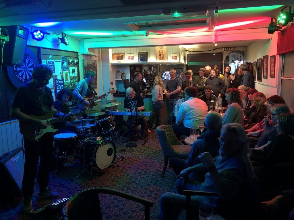 The Sidemen at The Retreat pub inReading 6109