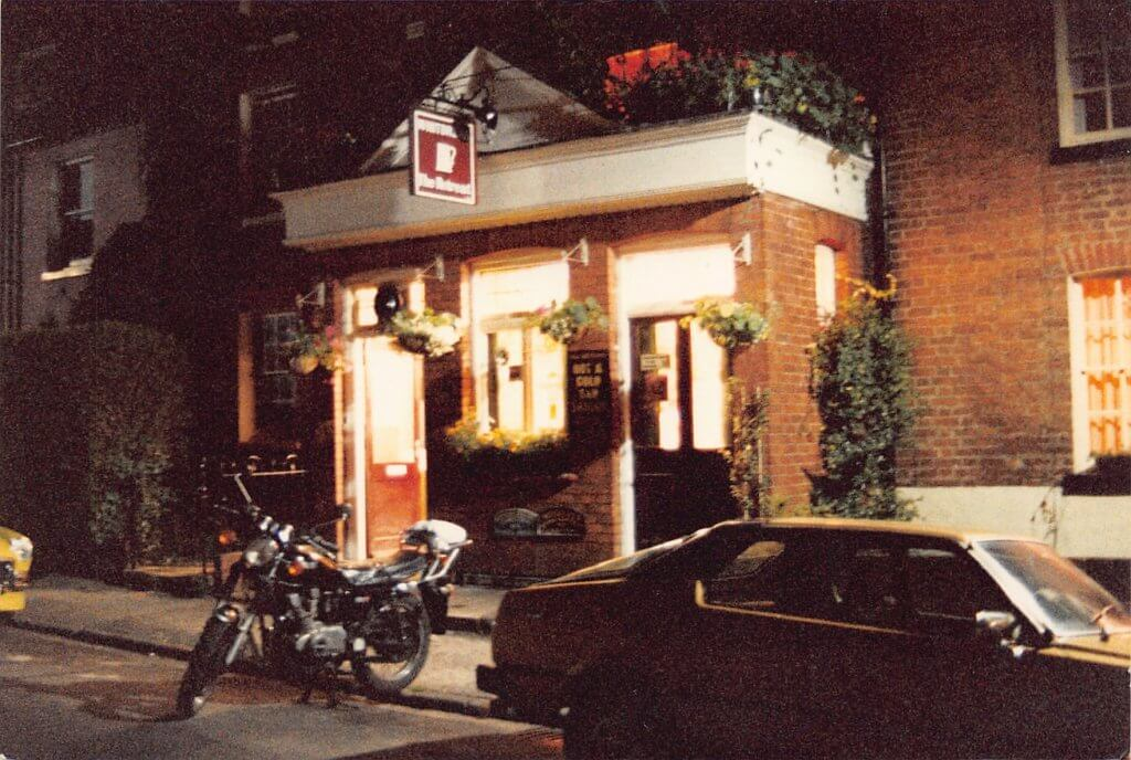 Postcard (picture) to Mr and Mrs G Scott at The Retreat pub in Reading, August 1986